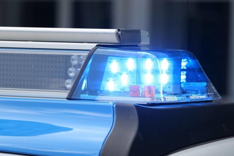 Am Sonnabend überfiel ein bewaffneter Mann ein Modegeschäft in Pirna (Symbolbild).