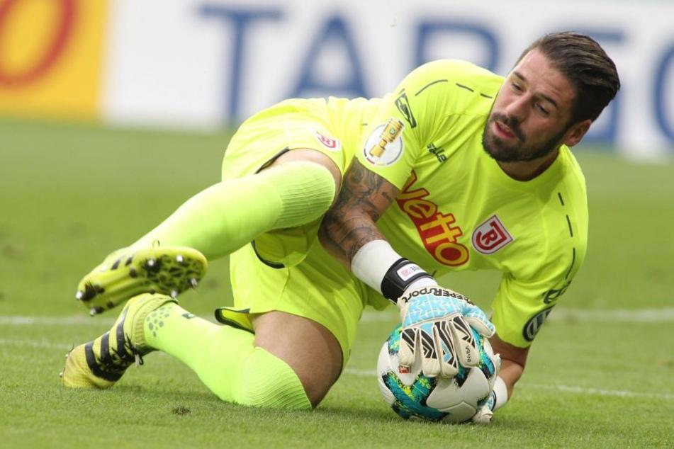 Sicherer Rückhalt: Mit Jahn Regensburg schaffte Philipp Pentke den Durchmarsch aus der Regionalliga in die 2. Bundesliga.