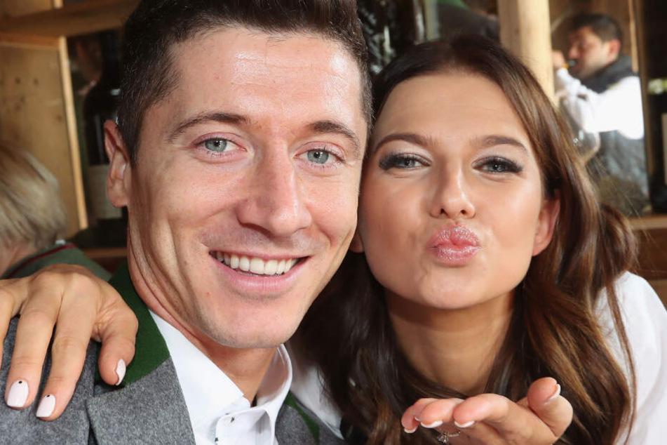 Ein glückliches Paar! Robert Lewandowski und seine Anna sind ein absolutes Traumgespann.