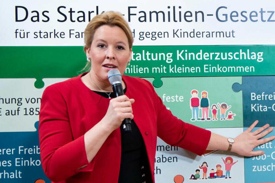 """Franziska Giffey, Bundesfamilienministerin,stellt bei einer Pressekonferenz im """"ZukunftsHaus Wedding"""" das """"Starke-Familien-Gesetz"""" vor, das Familien mit kleinen Einkommen stärken und Kinderarmut bekämpfen soll. (Archivbild)"""