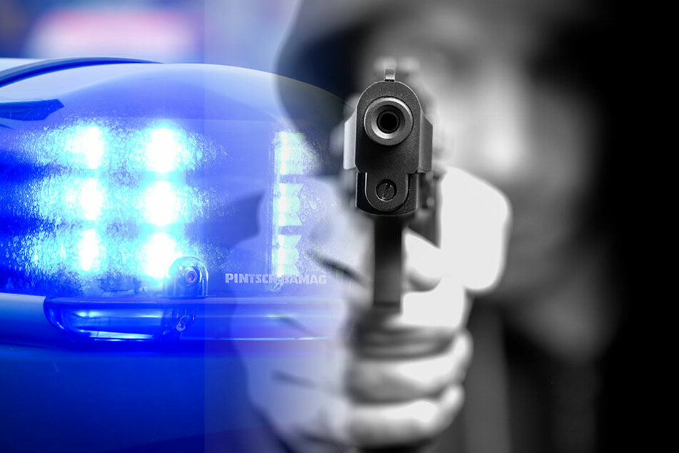 Ein Mann hat mit einer Waffe mehrere Leute bedroht und Autos geklaut. Der 29-Jährige konnte festgenommen werden. (Symbolbild)