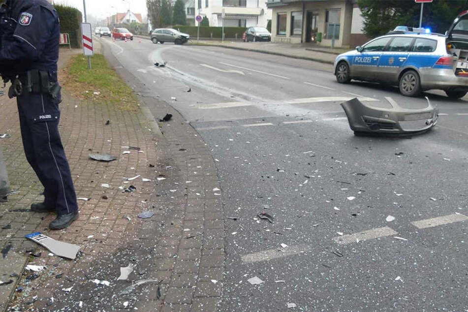 Beide Autos musste nach dem Unfall abgeschleppt werden.