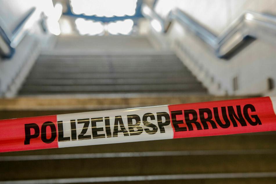 Am Bahnhof Wegeleben ist am Dienstagmorgen eine verbrannte Frau gefunden worden, die später starb. (Symbolbild)