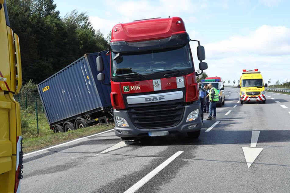 Der Trucker-Fahrer reagierte besonnen und fing seinen Laster ab. Ein Unfall war dennoch nicht zu vermeiden.