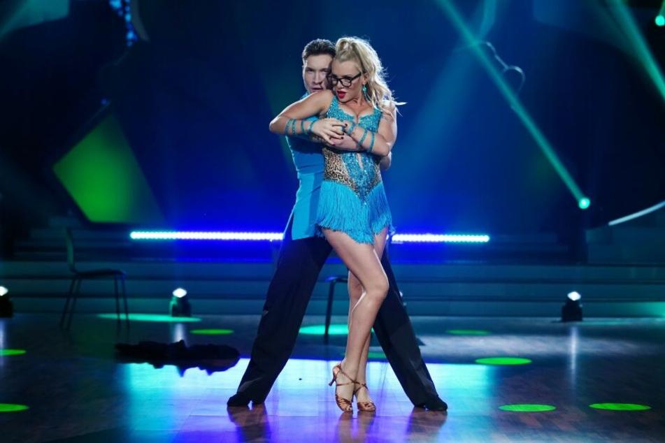 """Evelyn Burdecki und Evgeny Vinokurov hatten sich den Start von """"Let's Dance"""" vermutlich schöner vorgestellt."""
