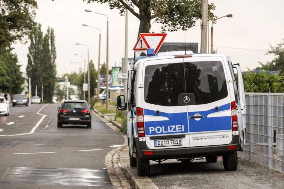 Auch am Sonntag war die Polizei auf der Mügelner Straße aktiv.