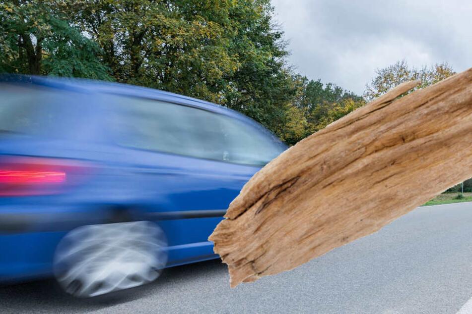 Wurde der Autofahrer von einem Fußgänger attackiert, oder hat er zunächst selber gewürgt (Symbolbild).