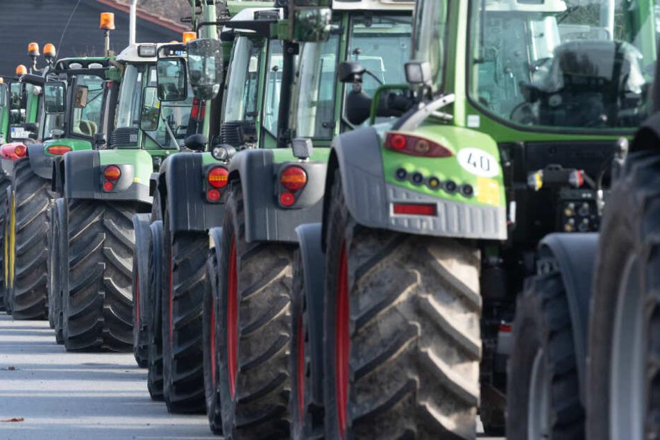 Bauern-Demos vor Supermarkt-Zentrallagern: Viele Landwirte machen ihrem Frust erneut Luft