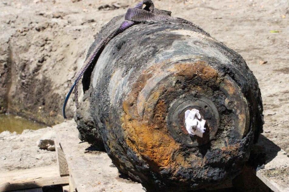 Die Bombe ist rund 70 Zentimeter lang. (Symbolbild)