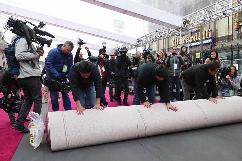 Der rote Teppich für die Oscar-Verleihung ist schon ausgerollt.