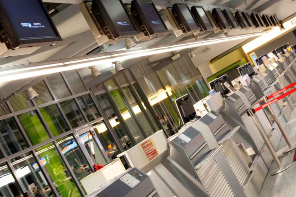 Die Schalter am Flughafen Paderborn/Lippstadt bleiben am Dienstag weitestgehend unbesetzt.