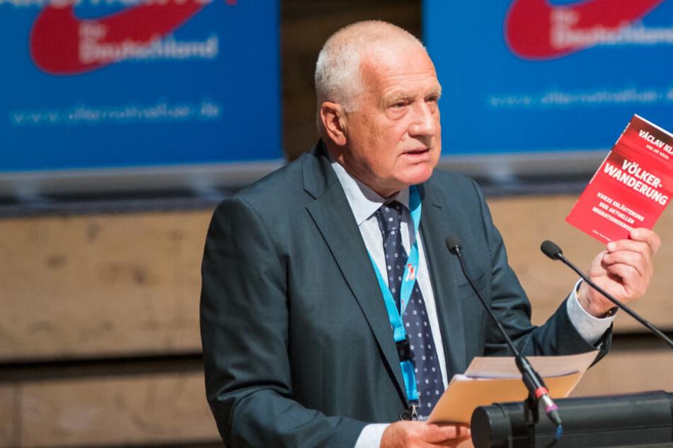 """""""Bedrohung der westlichen Gesellschaft"""": Ex-Präsident schockiert mit Rede bei AfD"""