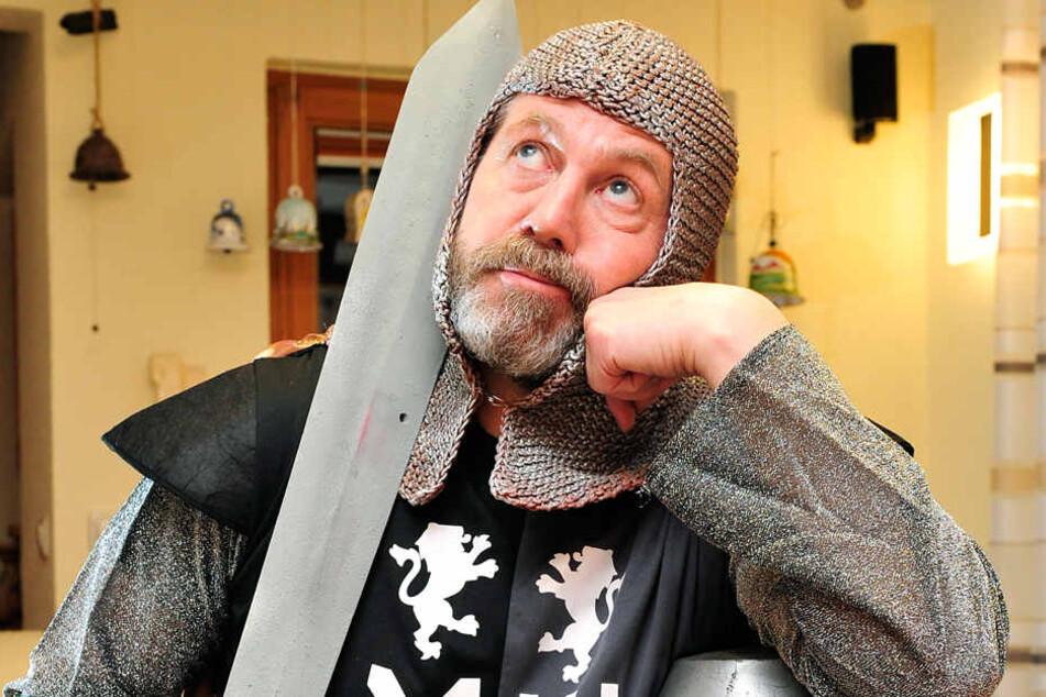 Für den grimmigen Ritter ließ sich Bürgermeister Miko Runkel voriges Jahr  einen Vollbart wachsen.