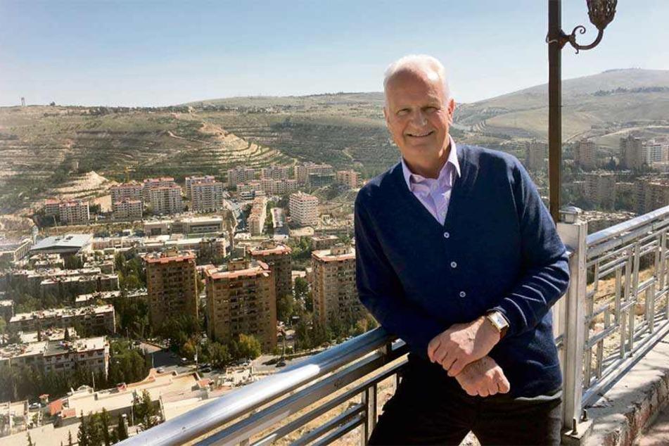 Bernd Stange über den Dächern von Damaskus. Seit Februar diesen Jahres trainiert der ehemalige DDR-Coach die syrische Nationalmannschaft.