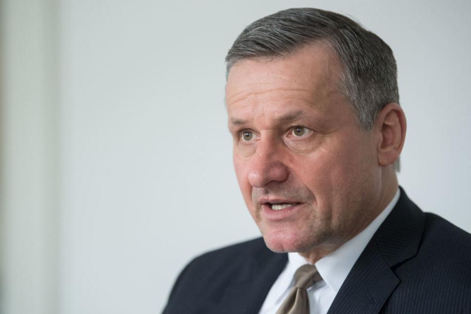 Findet, dass bei den Auskunftsrechten nachgesteuert werden muss: Hans-Ulrich Rülke.