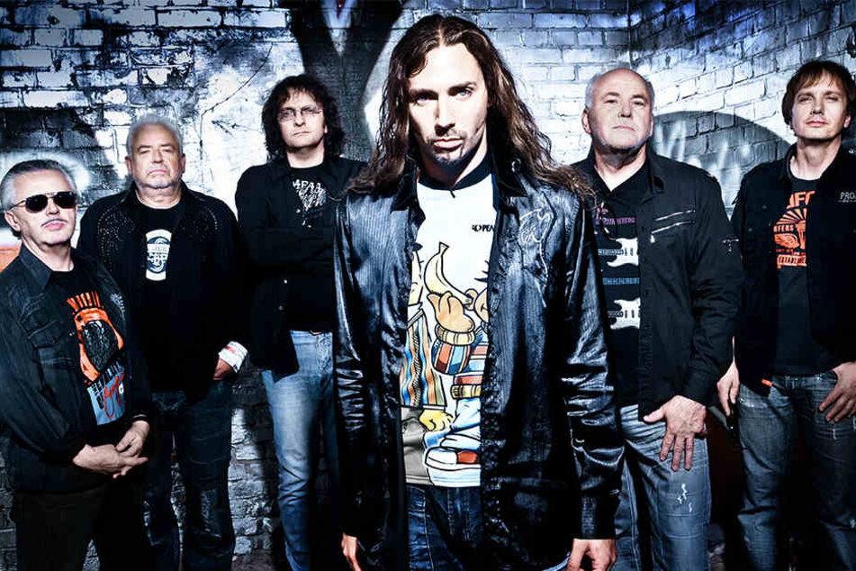Die Band Karussell gründete sich im April 1976 mit ehemaligen Mitgliedern der kurz zuvor verbotenen Leipziger Band Renft.