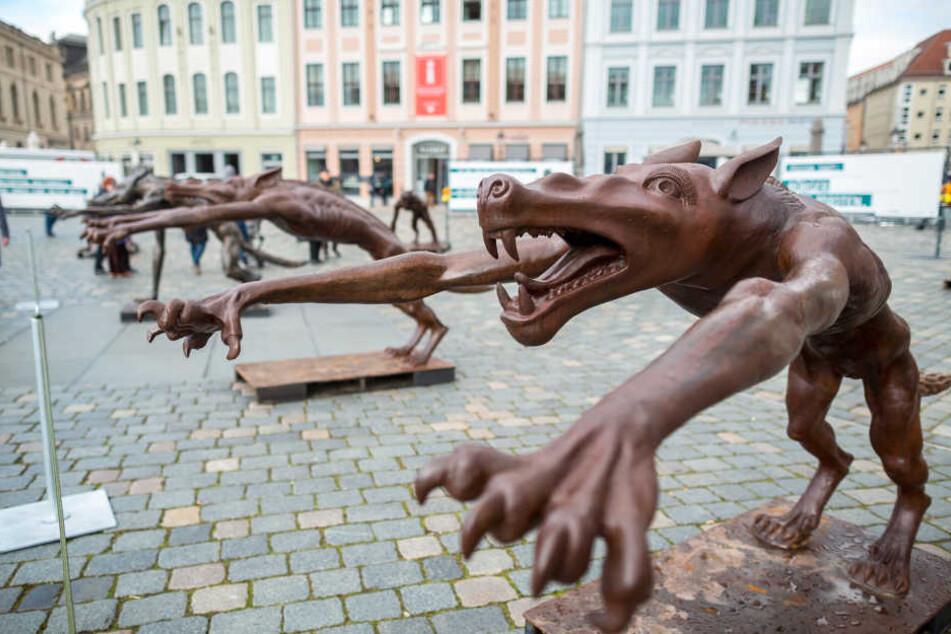 """Auch zukünftig soll es aufklärende Kunst-Aktionen wie die """"Neumarkt-Wölfe"""" geben."""