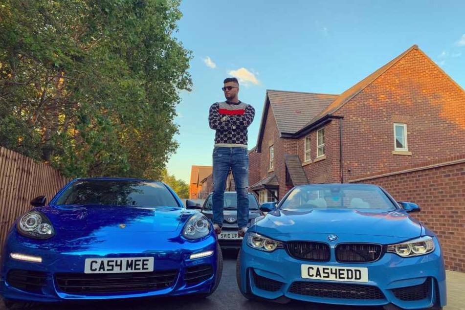 Der 21-Jährige hat offenbar eine Vorliebe für blaue Autos.