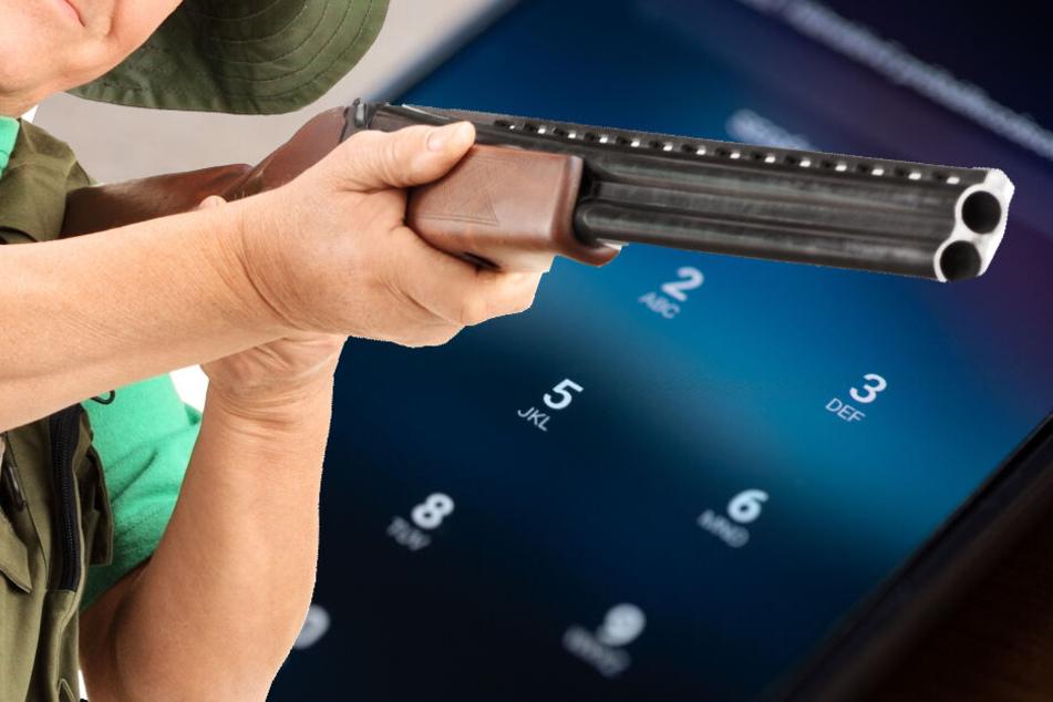 Anschließend stellte der Rentner das Gewehr ab und hielt ein Schwätzchen mit Nachbarinnen. (Bildmontage)