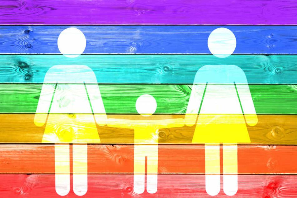 Lesbische Frauen könnten durch das Verfahren noch eine engere Bindung zu ihrem Kind aufbauen. (Symbolbild)
