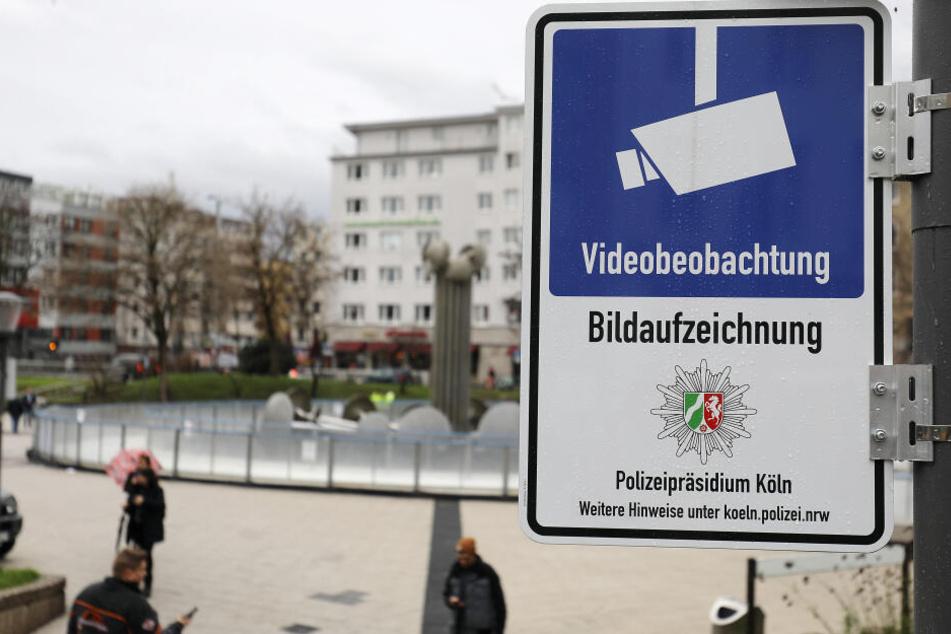 Die Kameras hängen seit zwei Monaten am Kölner Ebertplatz.