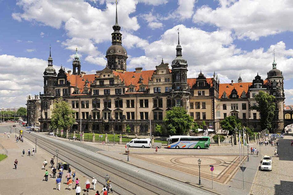 Das wiederhergestellte Residenzschloss in Dresden. Allein in diesem Jahr werden der Öffentlichkeit fünf sanierte Räume übergeben.