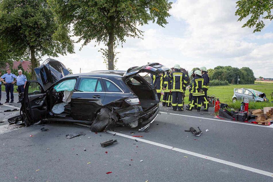 Drei Frauen starben bei dem heftigen Crash im Münsterland.