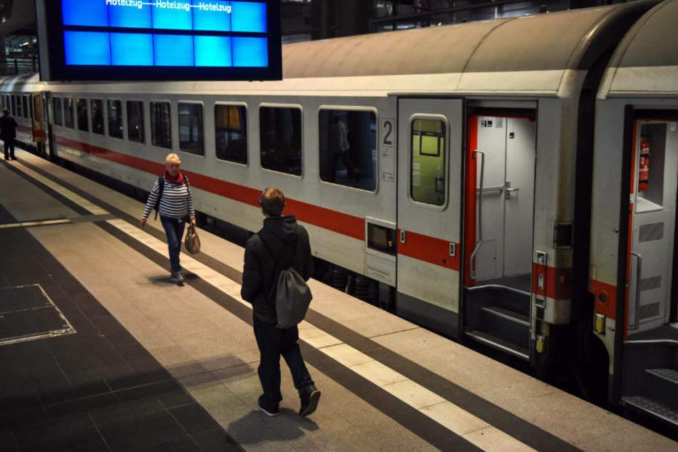 Bereits ab Dezember 2018 sollen die IC-Züge in Thüringens drittgrößter Stadt halten. (Symbolbild)