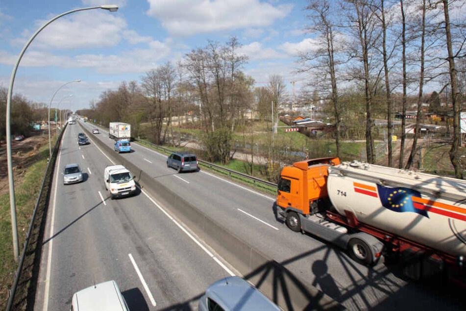 So sah die Wilhelmsburger Reichsstraße vor der Verlegung aus. (Archivbild)