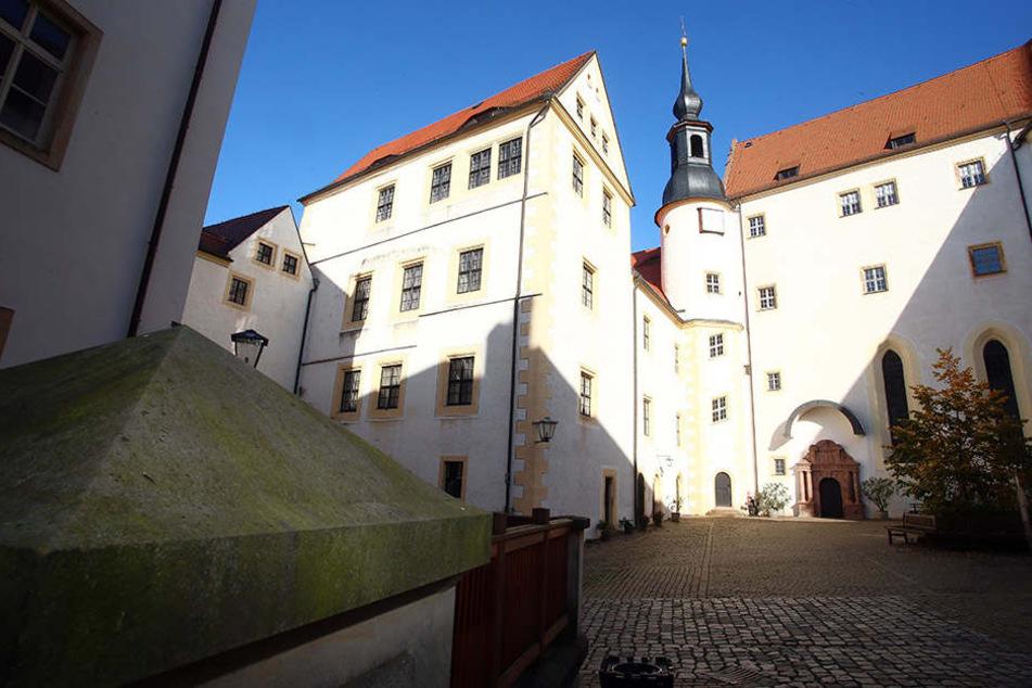 Dianas Kachelbau-Manufaktur befindet sich auf Schloss Colditz.