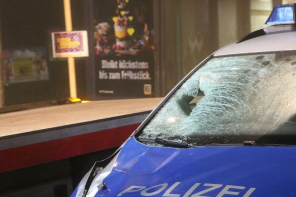 Blaulicht erst nach tödlichem Unfall eingeschaltet? Augenzeuge widerspricht Polizei-Infos!