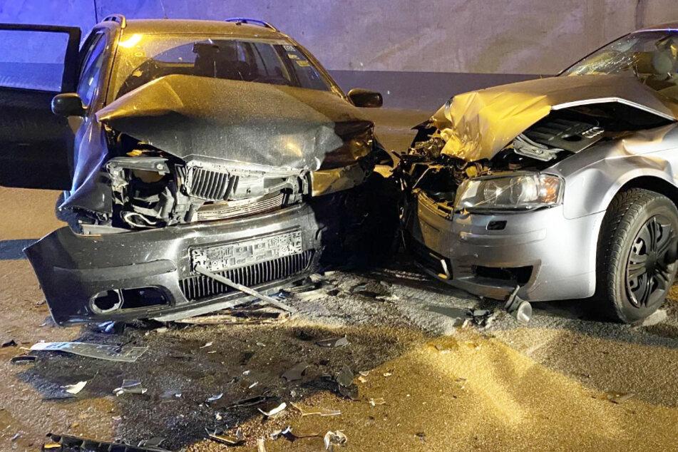 Frontal-Crash im Tunnel zwischen Skoda und Audi: Familie mit drei Kindern verletzt