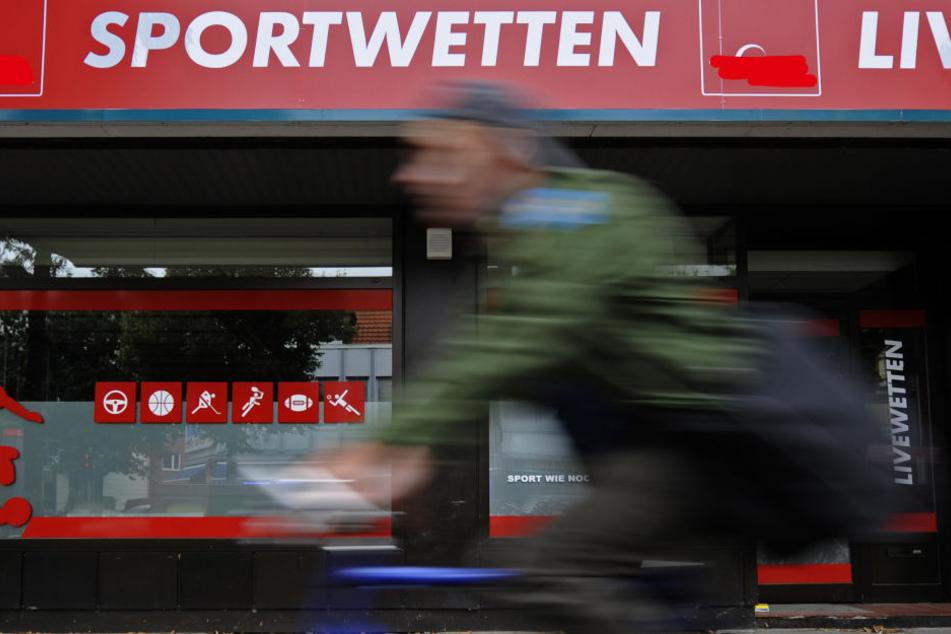 Nach Hanau und Frankfurt will auch die Stadt Offenbach eine Wettaufwandsteuer (Symbolbild).