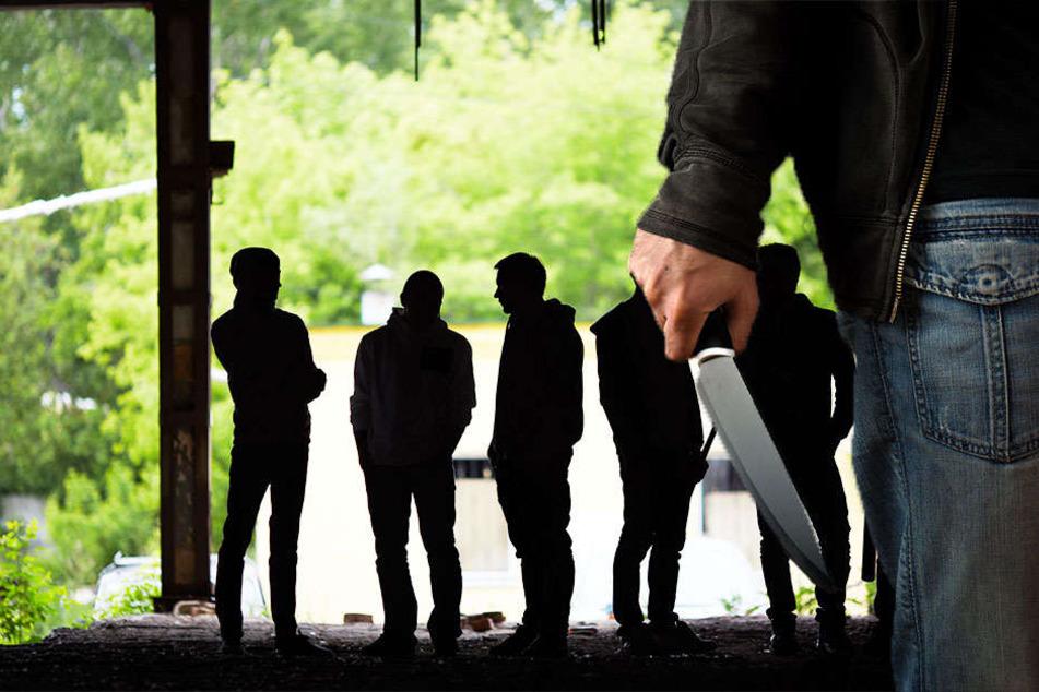 Blutiger Streit: Gangs gehen aufeinander los