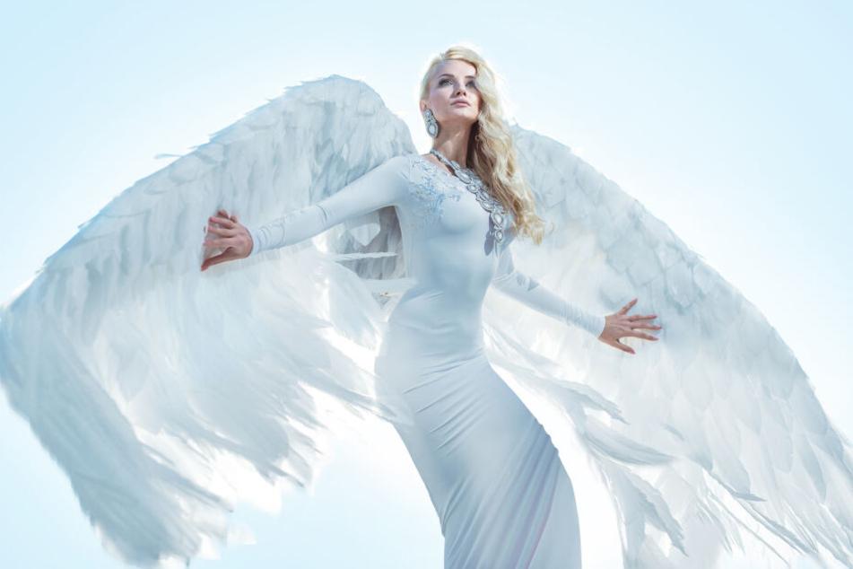 Der Engel im weißen Kleid heißt schon mal nicht Engel Weißerschnee.