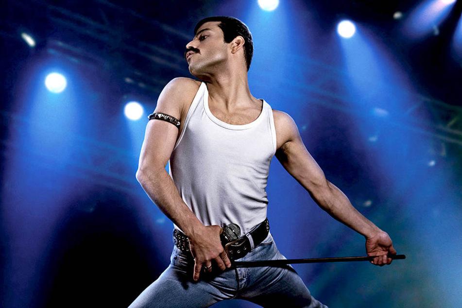 Rami Malek zeigt als Freddie Mercury eine überragende schauspielerische Leistung.