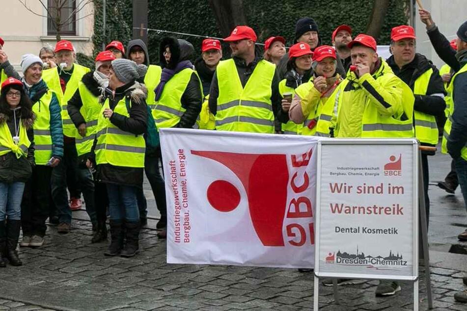 """Verbissener Kampf um mehr Lohn: """"Putzi""""-Mitarbeiter im Streik"""