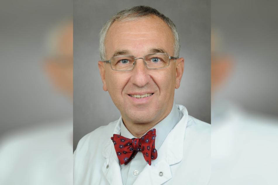Prof. Wolfgang Schütte, Präsident der Krankenhausgesellschaft Sachsen-Anhalt, versucht, in der immer hitziger werdenden Debatte um möglicherweise mangelnde Intensivbetten für Klarheit zu sorgen.