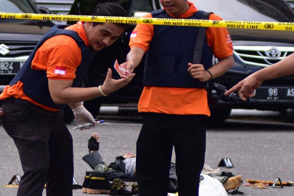 Auf der indonesischen Insel Sumatra gab es eine Attacke auf Polizisten.