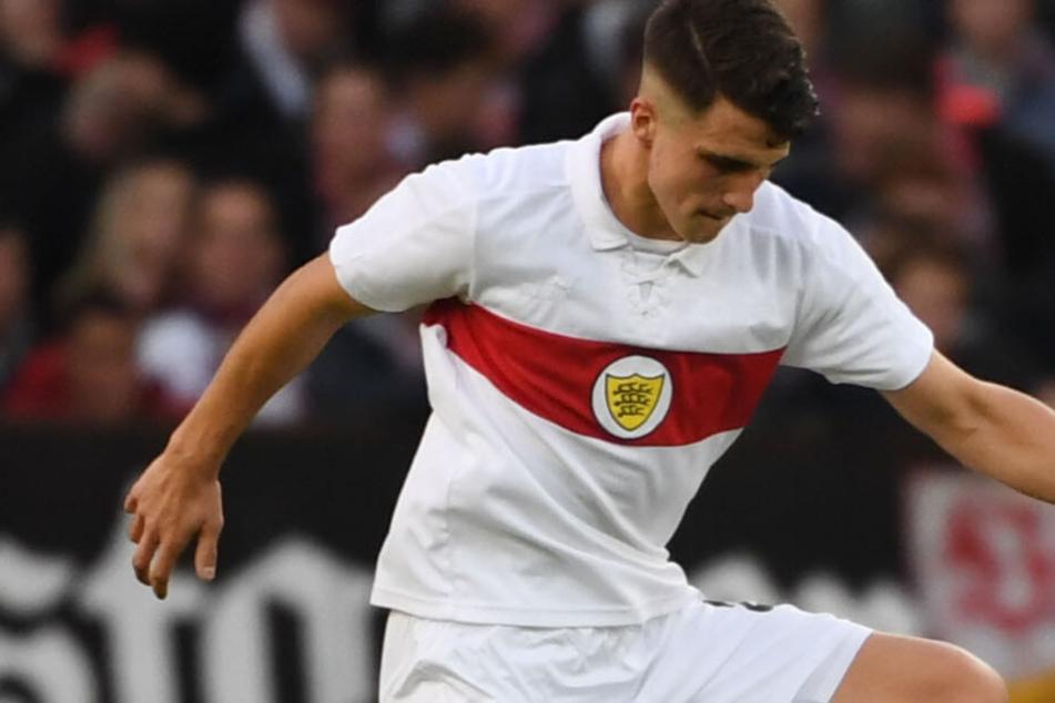 Im Traditionstrikot des VfB Stuttgart: Kapitän Marc Oliver Kempf. (Archivbild)