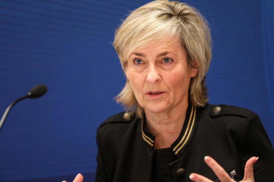 MDR-Intendantin Karola Wille (59) hat ihre Leute auf das Problem angesetzt.