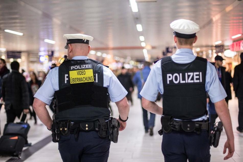 Die Beamten der Bundespolizei nahmen die zwei Täter fest. (Symbolbild)