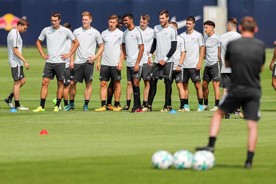 Hartes Training für den Saisonauftakt. Am 19. August trifft RB Leipzig auf FC Schalke 04.