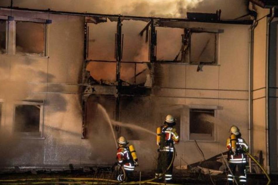 Ein Teil des Gebäudes brannte völlig aus.