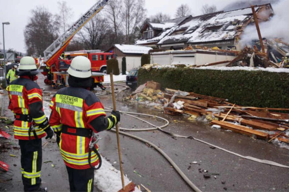 Überall Trümmer: Die Unglücksstelle am vergangenen Sonntag.