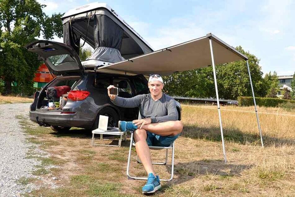 Opel Astra und ein Dachzelt: Viel mehr braucht Abenteurer Andreas Krause (36) aus Dresden für seine Gipfeltour durch Europa nicht.