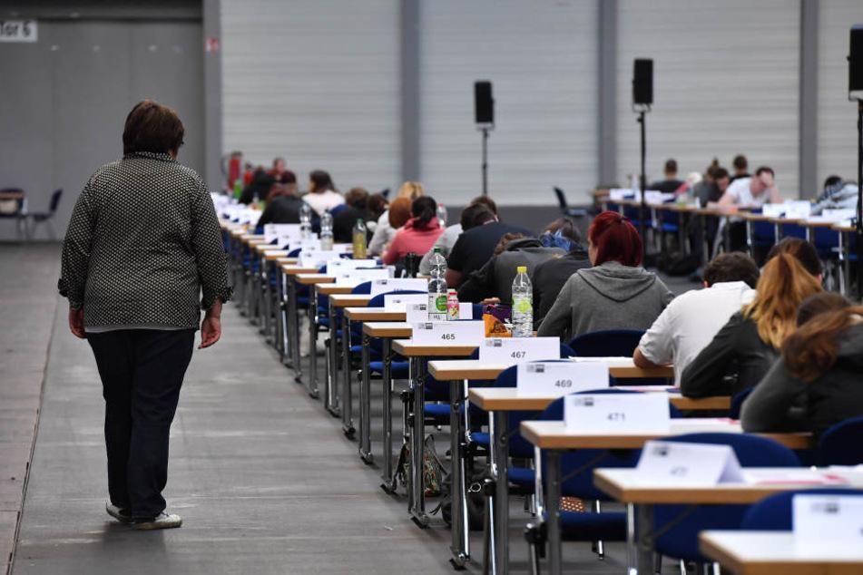 Während einer Abschlussprüfung wurde den Schülern eine kuriose Frage gestellt. (Symbolbild)