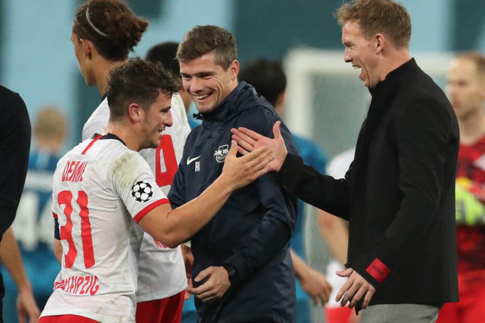 Trainer Julian Nagelsmann (r.) muss sich von Stammspieler Diego Demme (l.) verabschieden.