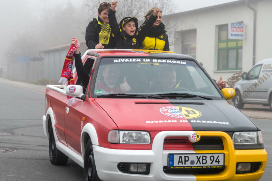 Rivalen In Harmonie Diese Bvb Bayern Karre Ist Echt
