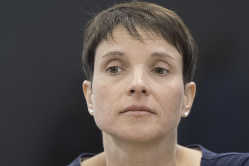 """Frauke Petry will sich aus der """"aktiven Politik"""" zurückziehen."""